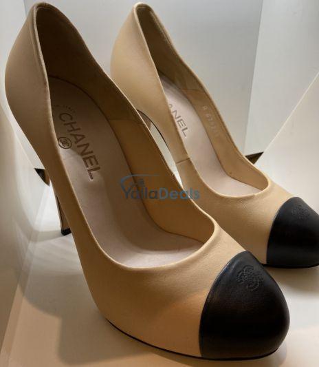 الأحذية في وسط مدينة دبي, دبي