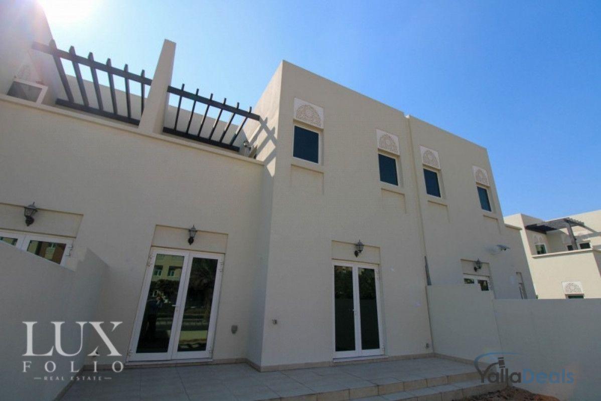 تاون هاوس للايجار في الفرجان, دبي