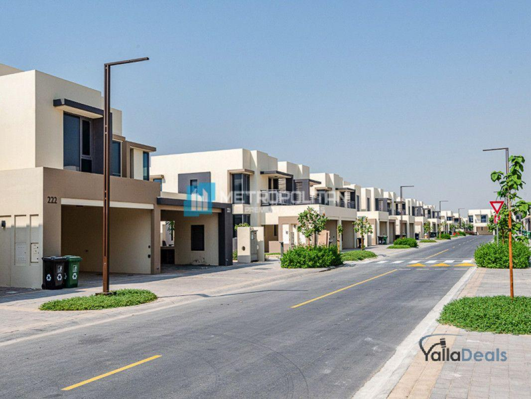 Townhouses for Rent in Hills Estate, Dubai