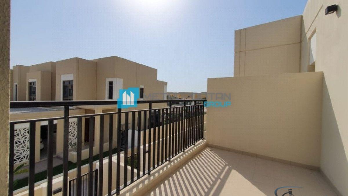 تاون هاوس للبيع في تاون سكوير, دبي