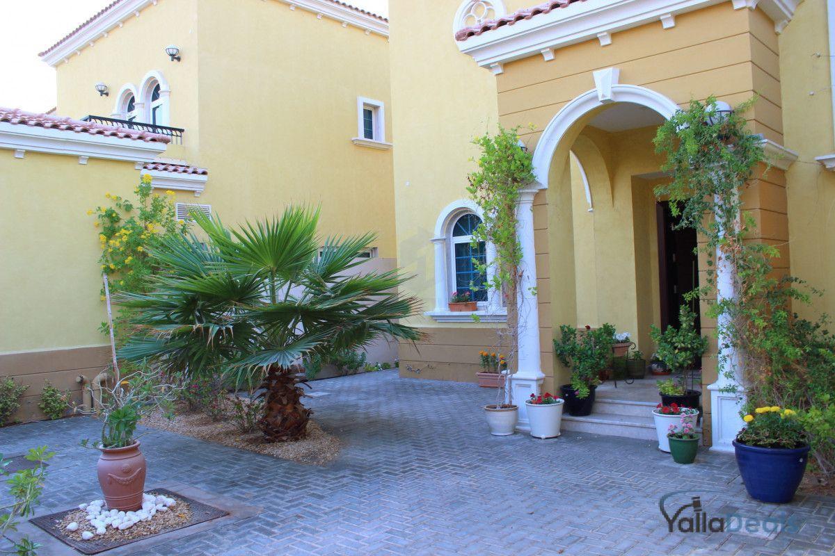 Villas for Sale in Jumeirah Park, Dubai